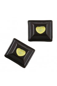 ช็อกโกแลตเหลี่ยมน้ำตาล 5 ชิ้น