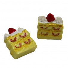 เค้กชั้นสตอเบอรี่สีเหลือง